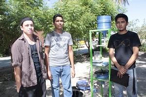 Foto: Estudiantes de la UABCS productores de biodiesel mediante aceite vegeatl / Fuente: bcsnoticias.mx